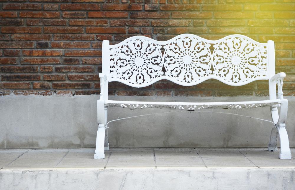 Pasi pentru reconditionarea mobilierului vechi din metal