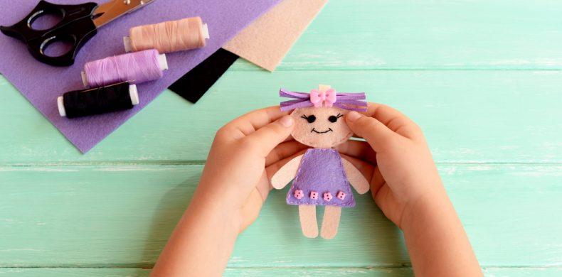 Cum să creezi cele mai haioase păpuși de mână pentru copilul tău