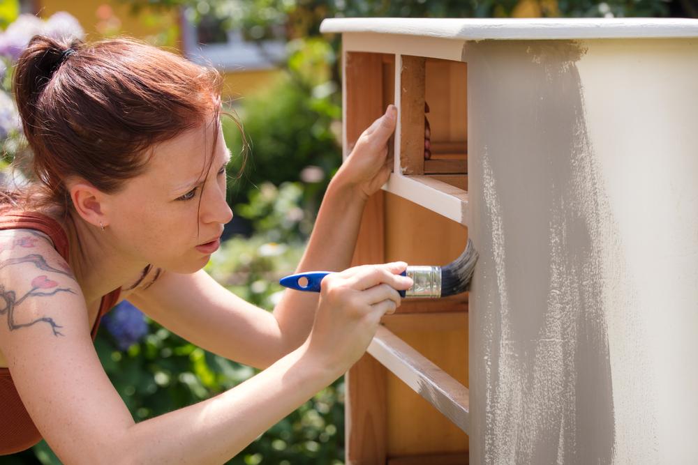 Pasi pentru reconditionarea mobilei din lemn