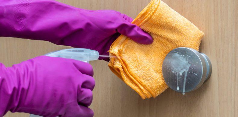 Locurile din casă care ascund cele mai multe bacterii – soluții pentru curățare și dezinfectare