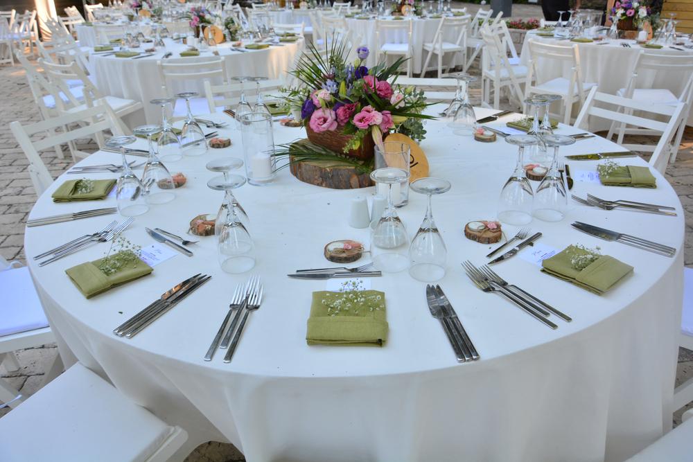 aranjarea mesei pentru nunta