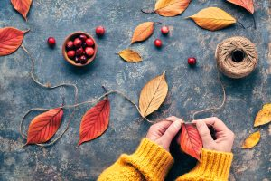 ghirlanda din frunze uscate