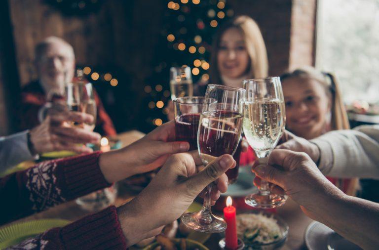 idei pentru o petrecere de revelion acasa
