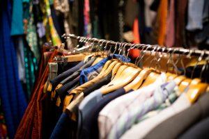 vanzare haine vechi