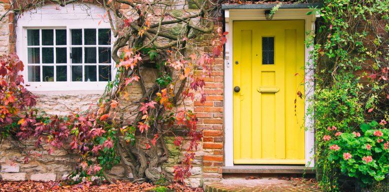 Cum recondiționezi o ușă veche – soluții rapide și eficiente