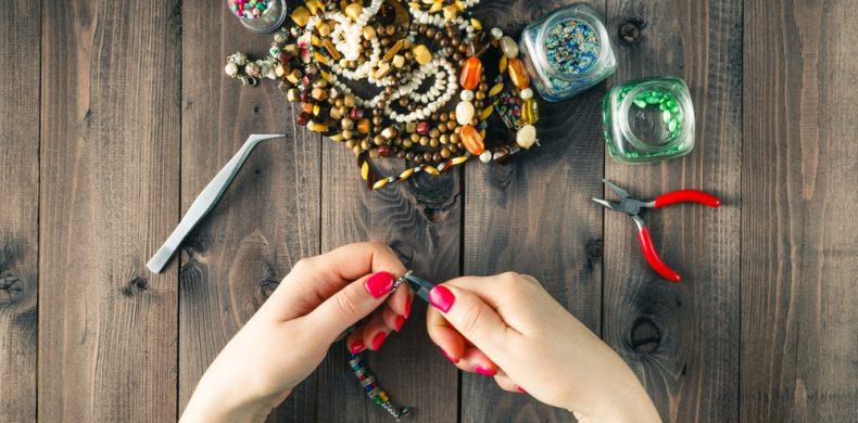Cum poți refolosi bijuteriile stricate sau pe care nu le mai porți