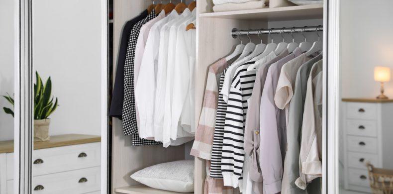 Eliberarea spațiului din dulap – ce faci cu încălțămintea pe care nu o mai porți