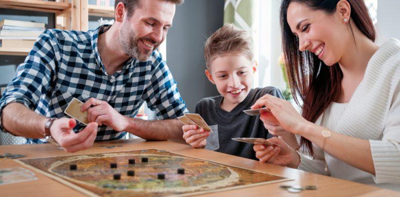Cele mai îndrăgite jocuri de societate și de unde le putem cumpăra